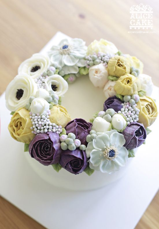 wreath style cake made by Alice