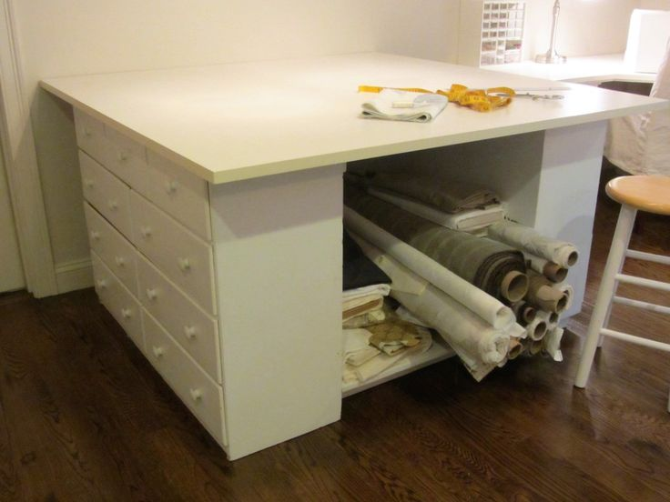 Easy DIY Cutting Table with Lots of Storage | http://aliceandann.com/diy-cutting-table-sewing/#