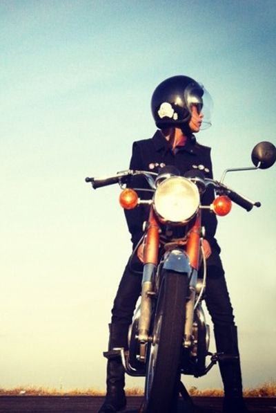 Let's go for a ride / Partons à laventure #GirlOnMotorcycle