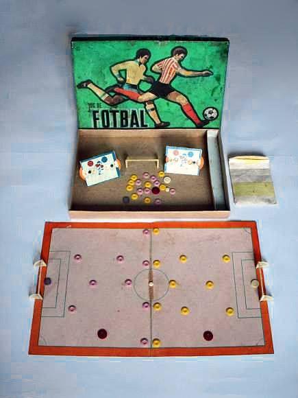 Jocul de fotbal.