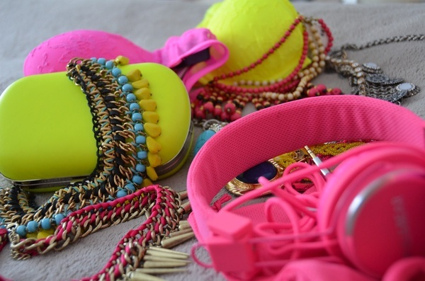 Accessorise with Neon! #neon #accessories #jewels