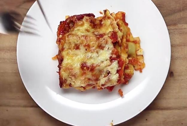 Here's one more suggestion for merger, and this time it's ravioli lasagne.    This is how you do it:      Easy Ravioli Lasagne    Posted by Proper Tasty on Monday, February 15, 2016    Here's what you'll need:  1:1 ratio of pre-made Ravioli to Bo...