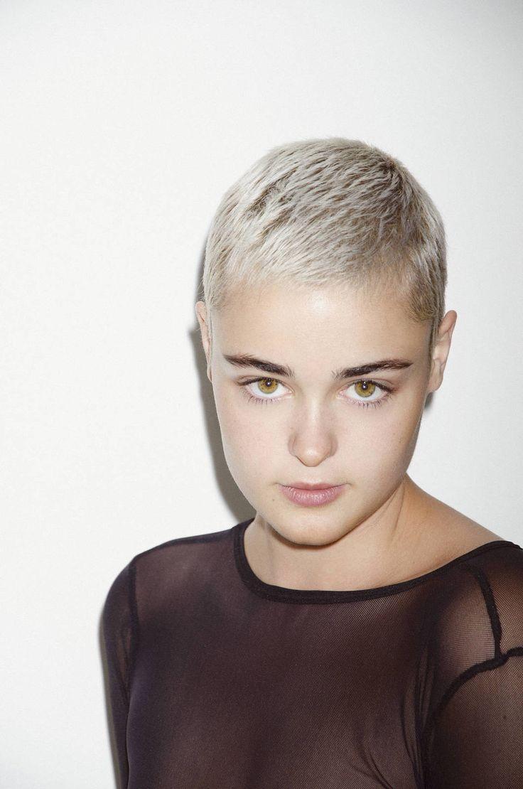 Stefania Ferrario Will Make You Want a Peroxide Pixie Cut - Galore