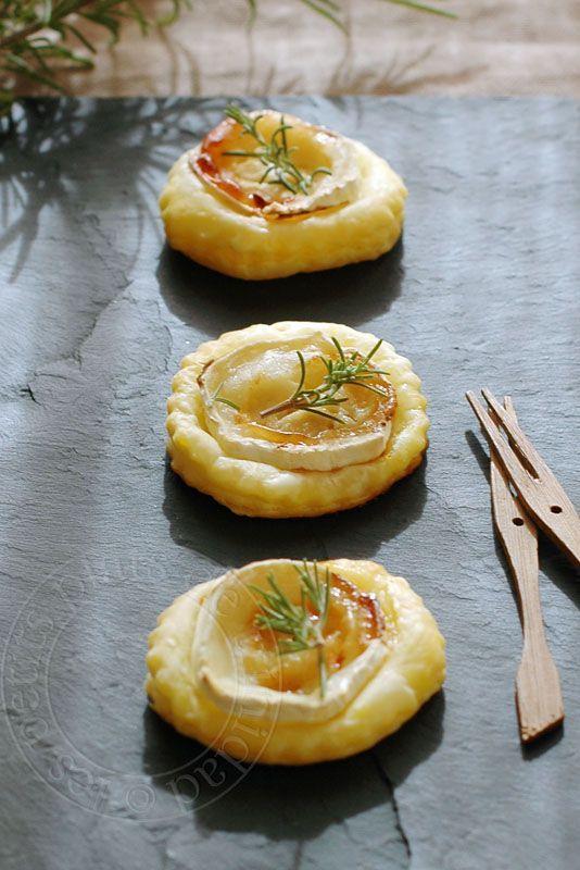 les petits plats de trinidad: Tartelettes feuilletées au chèvre, au miel et au romarin, pour l'apéritif
