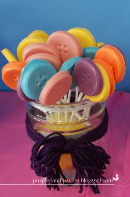 Lalaloopsy Party - Chocolate button pops