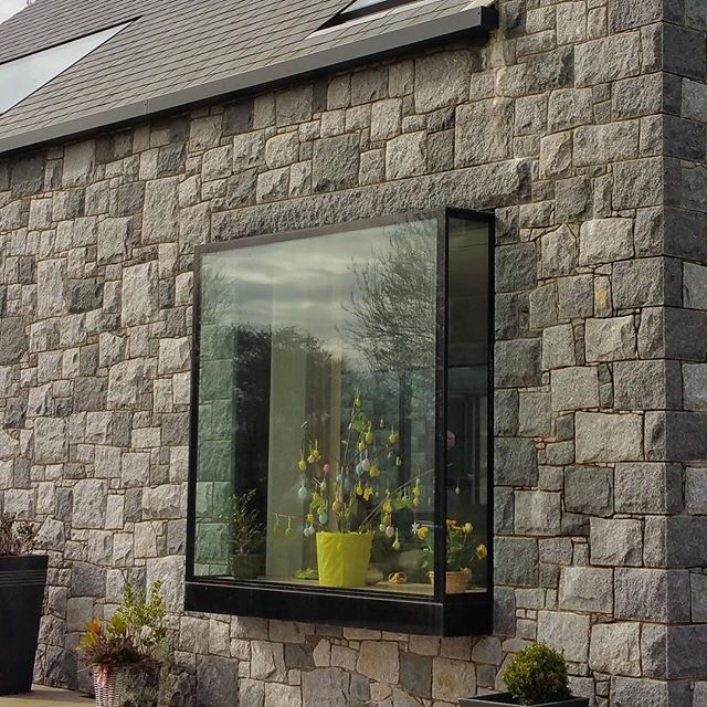 Iq Glass Regularly Create These Modern Boxed Windows Known As Oriel Windows Creating Almost Frameless Pop Out Glass Box Bow Window Modern Windows Window Design
