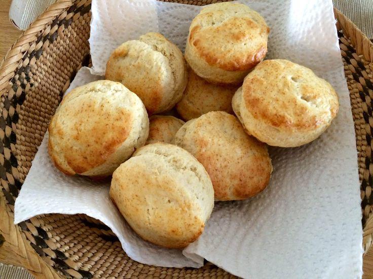 Lækre og skønne scones, der både går godt til en brunch, en kop kaffe eller god te. Foto: Guffeliguf.dk.