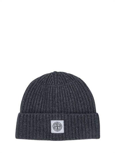 STONE ISLAND, Logo patch wool & cashmere beanie hat, Anthracite, Luisaviaroma - Embroidered logo patch . Rib knit