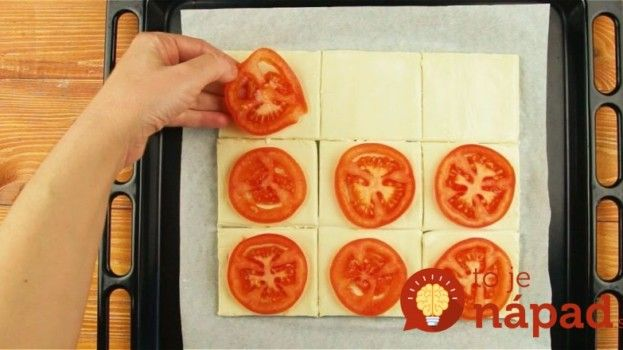 Na lístkové cesto uložila plátky paradajok: Toto vás zachráni vždy, keď príde nečakaná návšteva!