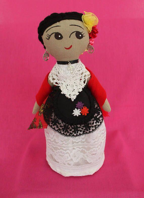 Jarochita Muñequita de trapo vestida con el traje típico de Veracruz México.   Hecho en México  #Artesanías, #Muñecasmexicanas, #Mexicandolls, #Hechoamano, #Frida, #Raicesmexicanas, #juguetes, #Toys #arte #HechoenMéxico #handmade #muñecasdetrapo #Veracruz #Jarocha #Trajestípicos #culturamexicana