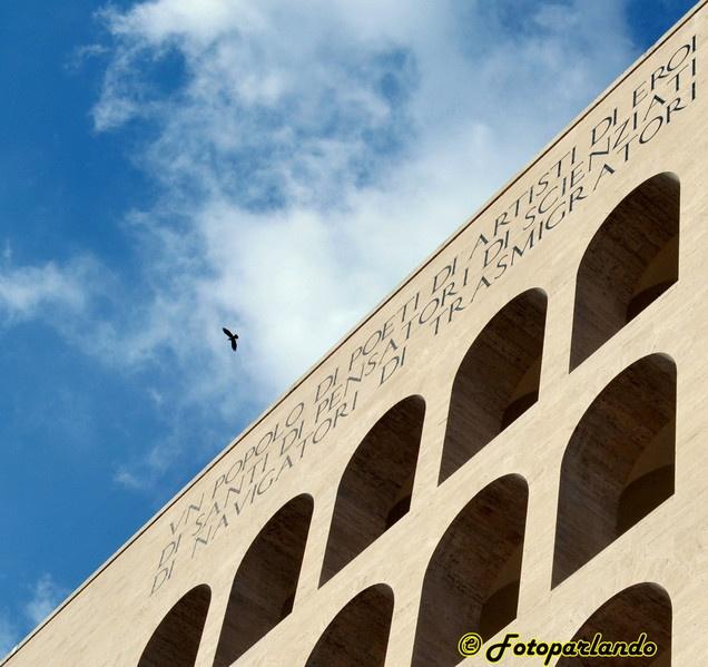 Palazzo della civiltà del lavoro, colosseo quadrato - Roma