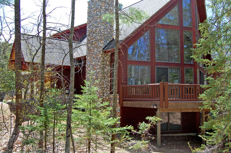 Harbor Shores: a beautiful home in downtown Glen Arbor with Lake Michigan access accommodating up to 18. Visit the property here: http://leelanau.escapia.com/Unit/Details/101774