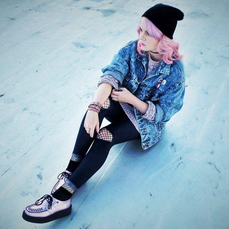 Susanna L. - Pastel Punk. Calze a rete sotto i leggins