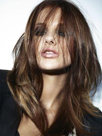 Coupe de cheveux mi-longs dégradée