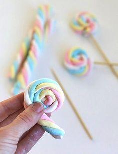 Pirluetas de nubes de azúcar para tu mesa de dulces.