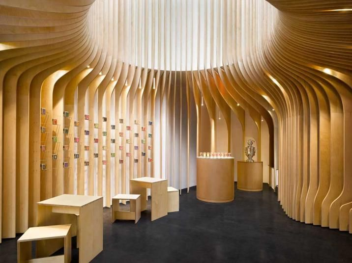 Čajový butik T Lounge, černá designová podlahová stěrka Microtopping. / Black concrete floor - Microtopping cement coating, T - lounge tea room, Prague, BOCA reference.  http://www.bocapraha.cz/cs/reference-detail/79/t-lounge-cajovy-butik-praha/