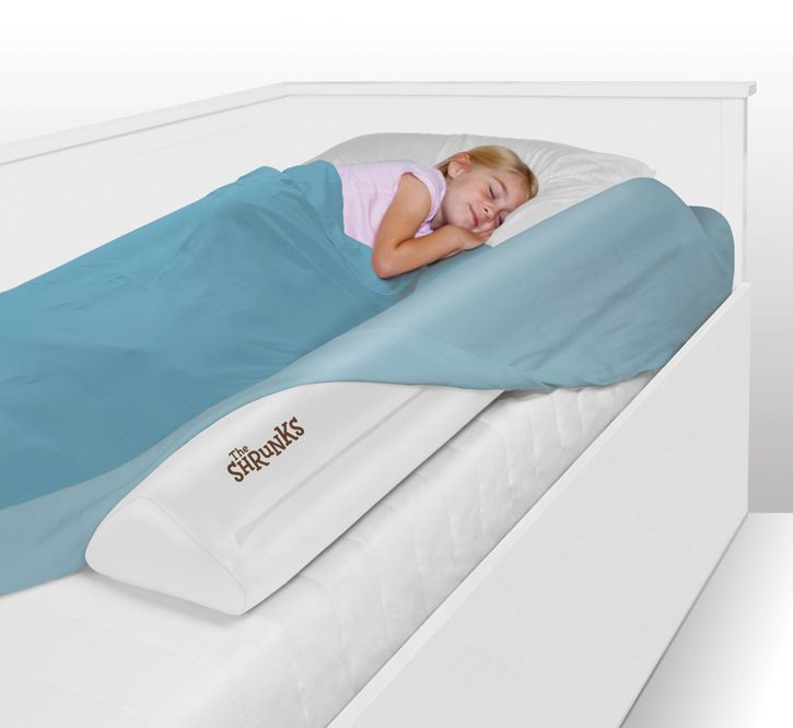 Keep your child safe from rolling off the bed with The Shrunks Inflatable Bed Rail. Its slim design allows the bed rail to slip conveniently under any fitted standard sized twin, queen or king size bed sheet.