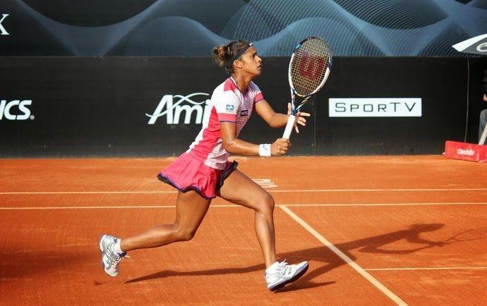 Blog Esportivo do Suiço: Teliana Pereira bate romena cabeça de chave em est...