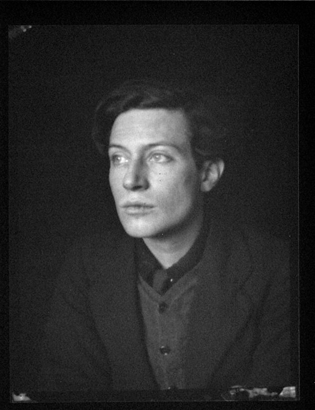 Alvin Langdon Coburn - Portrait of Duncan Grant, 1912