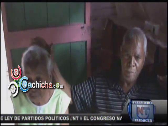 Familiares Abandonan A Pareja De Ancianos En Yamasá #Video
