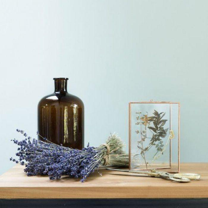 Comment encadrer des fleurs séchées - tuto DIY - Marie Claire Idées et La joie des fleurs