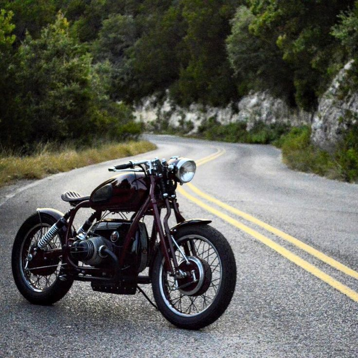 Caferacerpasion: BMW 5 Bobber By GT Moto