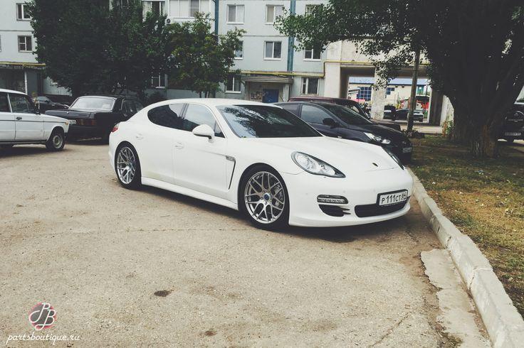 """Красотка Porsche Panamera на немецких дисках Schmidt Gambit 20"""", заказанных в Parts Boutique!"""