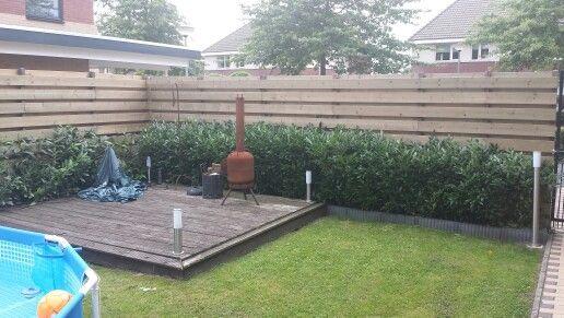 Vlonder voor eethoek valt best tegen tuin afwerking pinterest - Lay outs deco tuin ...