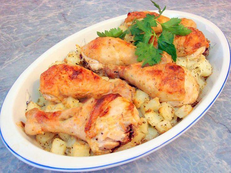 Запеченные куриные голени с картошкой в духовке