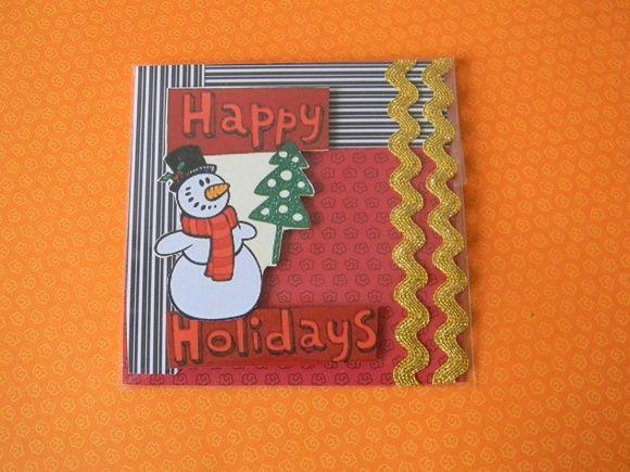 Cartões de Natal, confeccionados com papel de scrapbook, com enfeites e apliques.  No verso espaço em branco para você escrever a mensagem que deseja.  Feito sob encomenda também.  Enviado em saquinho plástico individualmente. R$ 4,00