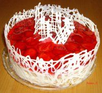 Jahodový dort s čokokrajkou