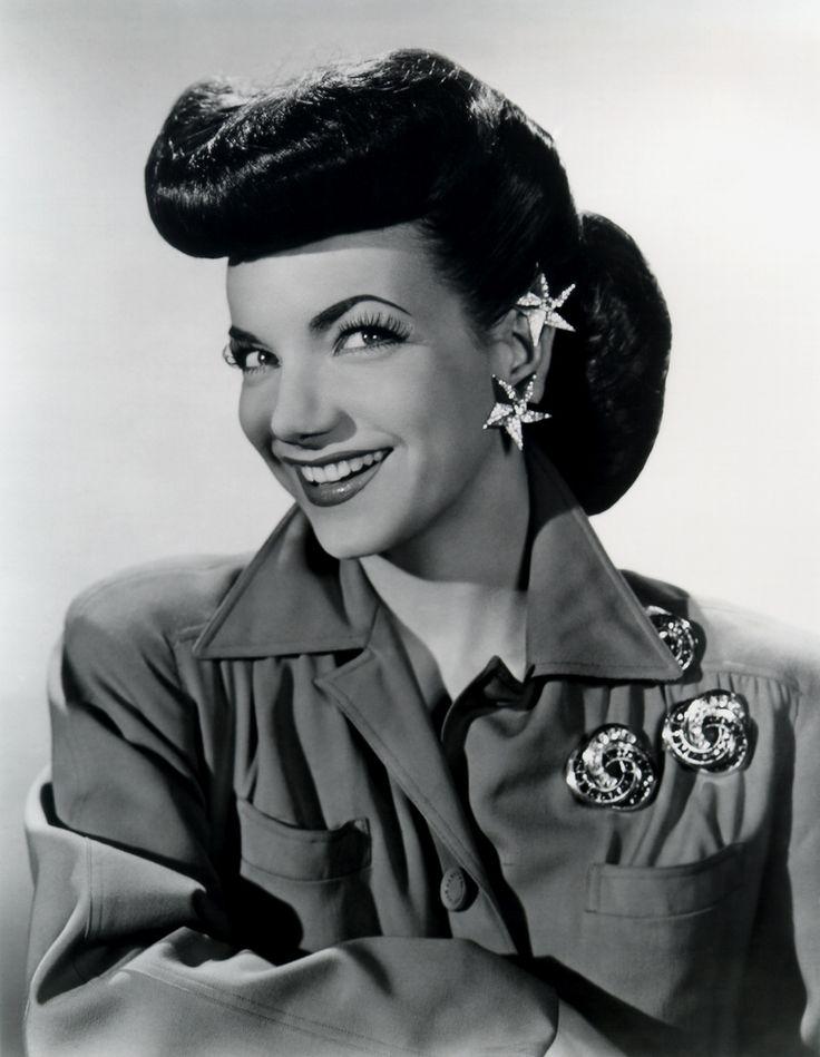 Carmen Miranda                                                                                                                                                     Mais