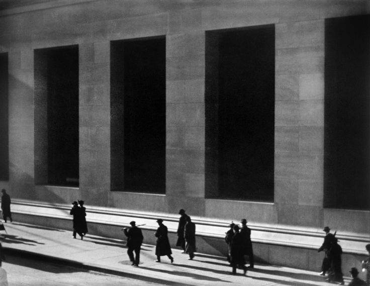 Paul Strand - Wall Street,, New York City,1915
