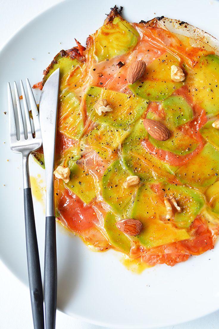 アボカド、ハム、チーズ、トマトのライスペーパー焼き by 青山清美(金魚) / 余ったライスペーパー2枚で!サンドウィッチの具にしようとしてた材料をライスペーパーで挟んで焼いてみました。端っこはカリカリ!中はもっちりとろーり。不思議食感です / Nadia