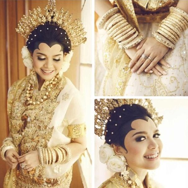 nice colour of Baju Bodo (traditional Wedding Bugis-Makassar)