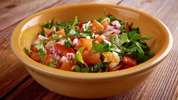 Une recette de salsa pico de gallo, présentée sur Zeste et Zeste.tv.