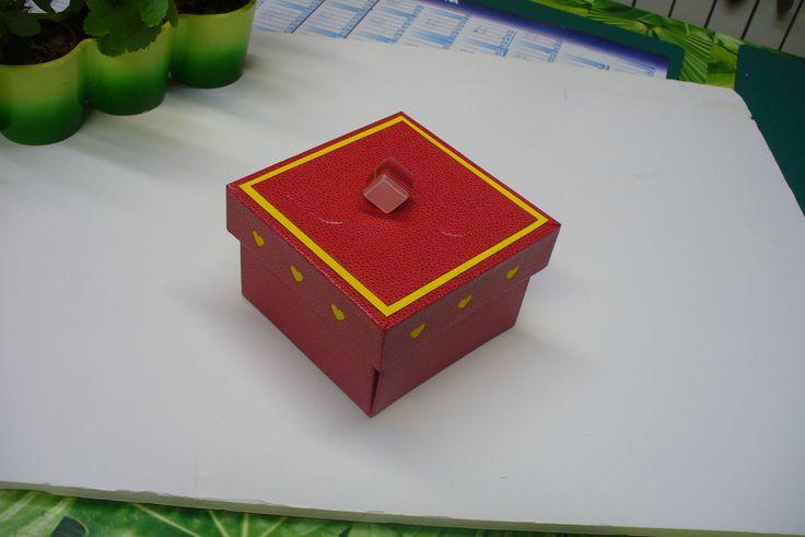 cartonnage de sandra hosseini | cartonnage boîte corolle de Sandra Hosseini - association bibi ...