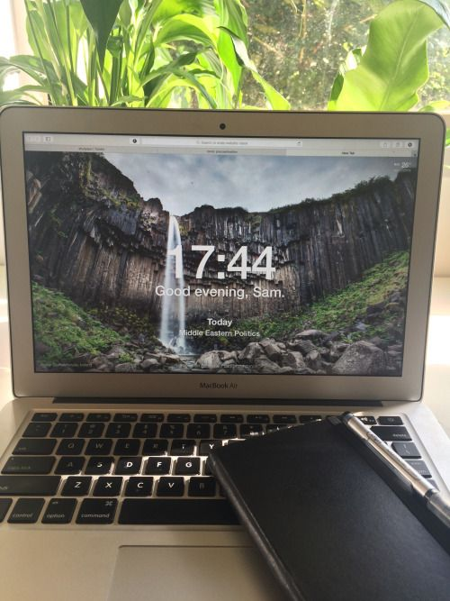 Google Chrome Extension, Desktop background with clock and greeting