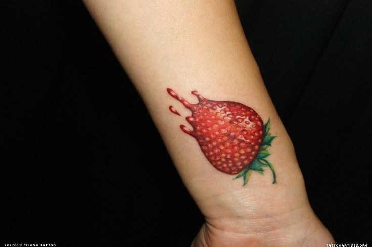 89 best strawberry tattoo images on pinterest strawberries painting on fabric and red berries. Black Bedroom Furniture Sets. Home Design Ideas