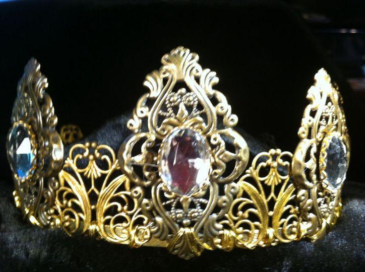 Queen Margaret of Scotland & the Isles diamond tiara, created by Evil Ogi's Garb.