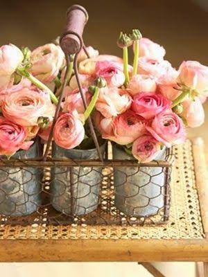 August Wedding Flowers: Ranunculus | #wedding #flowers | www.creatively-country.blogspot.ca