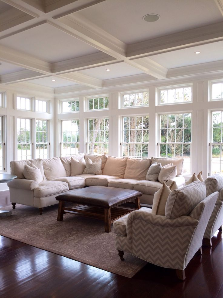 Lots of windows creates beautiful natural lighting home for Types of living room windows