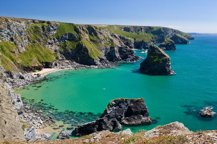 Photo of Bedruthan Steps - from the other end, Cornwall