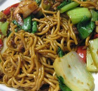 Indonesische Recepten: Indonesisch bami met kip en paksoi