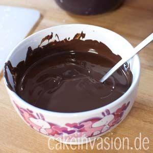 Schokolade in der Mikrowelle schmelzen :)