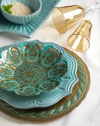 teal, green and gold, beautiful mix and match places