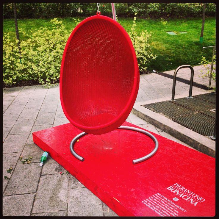 Fuori Salone Installation PIERANTONIO BONACINA ☀️#fuorisalone #garibaldi #installation #pietroantonio_bonacina #milan #city #sun #italy #love #photo #location #like #life #social_network #pinterest #instagram #facebook #tumblr #twitter #foursquare #filtro #fashion #followers #colors #red