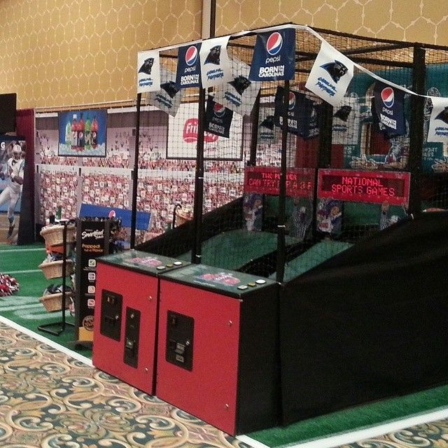 Trade Show Booth Games : Ubqb quarterback game in football themed trade show booth