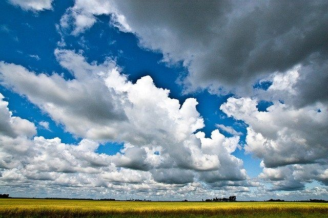 Cloudscape Photography by Nosha - Image Source: http://www.flickr.com/photos/nosha/