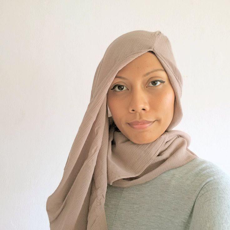 Another Hijab style using  Hana Tajima Uniqlo collection-Spore 2015  #HanaTajimaUniqlo #hijab #casualhijab